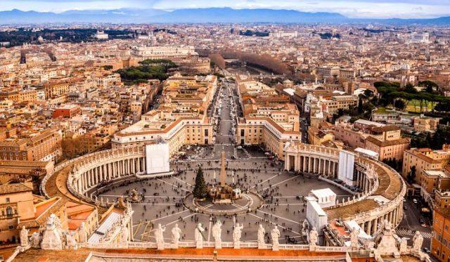 Dünyanın En Küçük Ülkesi: Vatikan