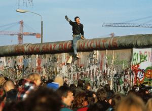 Özgürlüğün Önüne Koyulan Engel: Berlin Duvarı (Tarihçesi ve Yıkılışı)
