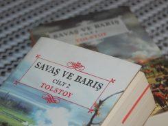 Tolstoy'un Ünlü Eseri: Savaş ve Barış (Konusu Nedir, Neden Okumalıyız?)