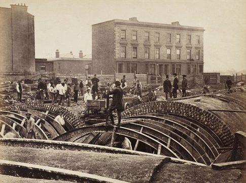 Dünyanın İlk Metro Sistemi: Londra Metrosu