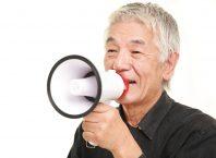 Sesimiz Yaşlandıkça Neden Değişir?