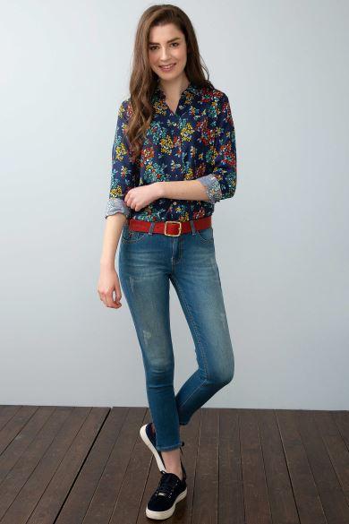 Zamanın Trendini Yakalayan Kadın Pantolon Modelleri