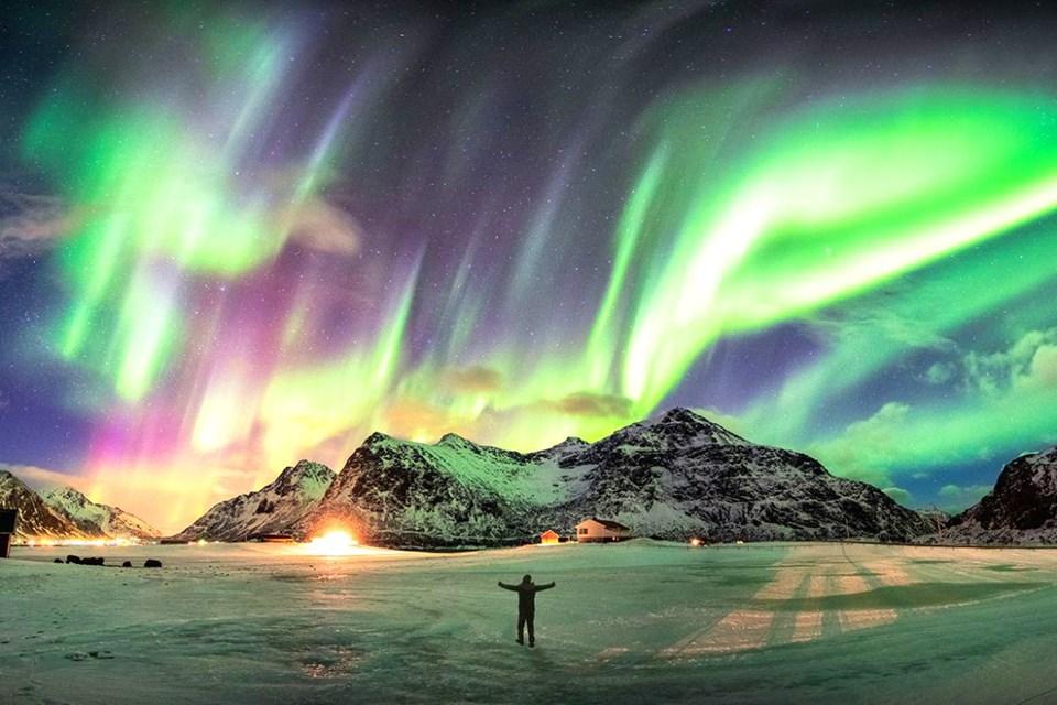Kuzey Işıklarının altında