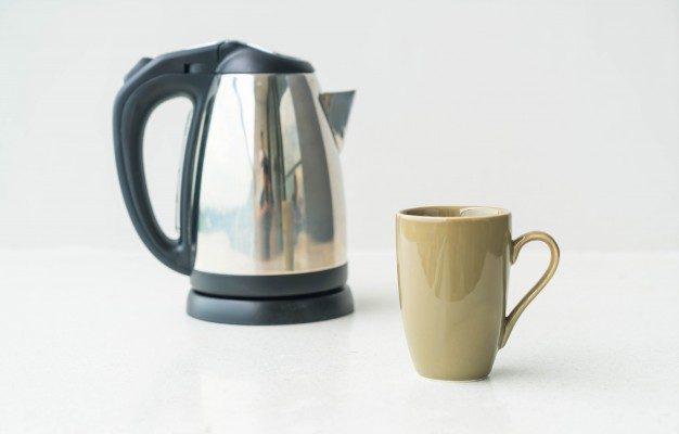 Mutfakta Pratik Kullanım Vadeden Su Isıtıcısı ve Kettle
